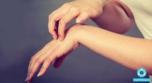 Красные пятна на пальцах рук и ног: появились между пальцами пятна и чешутся