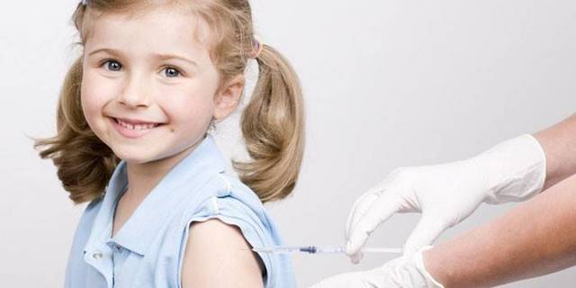 Шелушащиеся пятна на коже у ребенка: красные, розовые, на теле, голове, спине