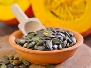 Тыквенные семечки от простатита: польза и вред для мужского организма, рецепты и правила приема