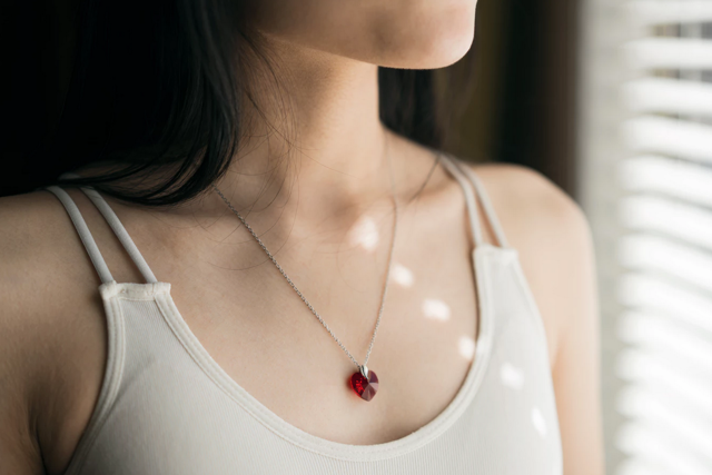 гиперфункция щитовидной железы (гипертиреоз): симптомы у женщин и лечение